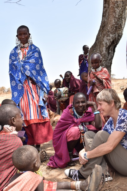 Sarah Cleaveland discusses with Maasai pastoralists about animal and human health